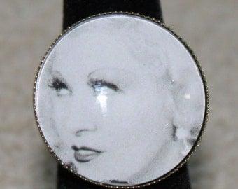 Mae West Ring Movie Classic Hollywood Model Sex Symbol Legend
