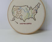 United States Embroidery Hoop Map Art. 10 inch hoop. Map art. USA Map. Travel. Classroom. Teacher gift. Country Home. Gallery Wall Art.