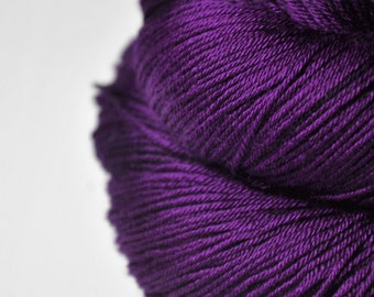 Poisoned by love- Merino/Silk Fingering Yarn Superwash