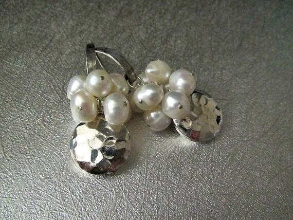 Winter White Earrings | Cluster Earrings | Freshwater Pearl Earrings | Bridal Wedding Jewelry | Hammered Disc Earrings