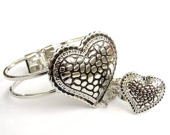 Ladies Women Metal Bangle Bracelet Ring Heart  T3196