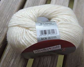 WORSTED Weight Yarn - Ivory - Wool Rayon Blend - 50g / 100 meters - Schoeller & Stahl Ronda - Off White - Cream - Ivory