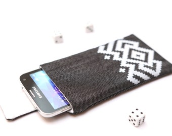 Galaxy S8+, S8, Galaxy S7 edge, S7, Galaxy A7, A5, A3 sleeve pouch case with magnetic closure dark jeans with white ornament pattern