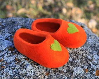 Kid Shoes Size U.S. 13; U.K. 12; EU 31 ready to ship.  Little Kid Shoe. Hand Felted Soft Wool Slippers .  Orange with green hearts decor.