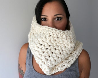 Chunky Crochet Cowl, Ivory White Wool Blend Neck Cozy, Winter and Ski Fashion Accessories