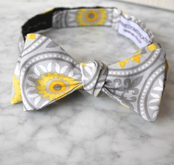 Bow tie in yellow and gray millefiori - Groomsmen and wedding tie - clip on, pre-tied with strap or self tying