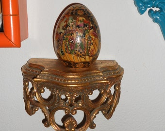Hollywood regency beautiful Chinoiserie Satsuma ceramic handpainted egg with geishas