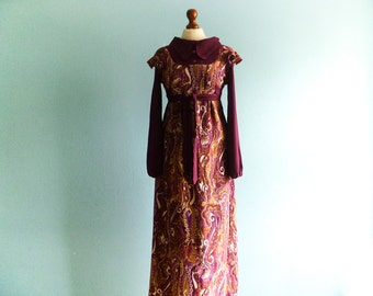 Vintage 60s 70s Dress / Violet Purple / Paisley Print / Empire Waist / Long Sleeve / Collar / Maxi Long / medium small
