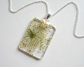 Snowflake Queen Anne's Lace with Freshwater Pearls - Real Flower Winter Necklace - Pressed flower, white, natural, modern, minimal, ooak