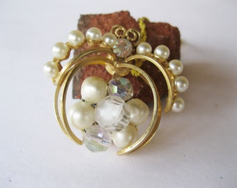 Laguna Aurora Borealis Pearls Brooch Wedding Jewelry Crown Jewel Vintage Pin
