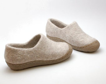 Felted wool clogs Beige with rubber toe soles - natural beige organic wool booties Size Eur 37 / US 6,5