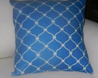 Pillow Cover Chain Link Print, Blues, Ivory, Cotton Linen Slub Screen Print  Home Dec fabric by Mill Creek, 18x 18 inch zipper closure