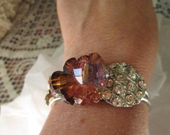 Re-purpose bracelet with vintage jewelry Rhintestones and a sweet bee