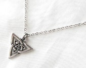 Celtic jewelry, Wiccan jewelry, triangle necklace, trinity necklace, Irish jewelry, Celtic necklace, Celtic knot medieval, spiritual jewelry