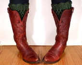 Crocheted Boot Cuffs in Forest Green, Scalloped Lace Cuffs for Fall