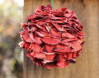 Medium Ruffle Ornament
