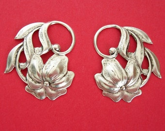 4-OX Silver over Brass Stamping  Embellishment Flower Pendant Jeewelry Findings.