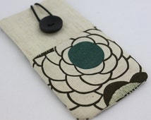 iPhone 6 Plus, iPhone 6 Case / Samsung Galaxy S4, S5 Case / Galaxy Note Case, PADDED, with pockets for Earphones - Linen Flowers