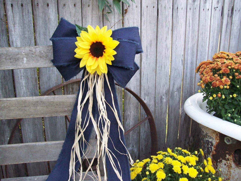 sunflowers sunflower and denim pew bow sunflower wedding. Black Bedroom Furniture Sets. Home Design Ideas