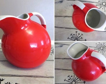 Red and White Pitcher Ball Pitcher Water Pitcher Hall's Pitcher Red Kitchen Water Jug Kitchen Pitcher Red Vintage Kitchen Retro Kitchen
