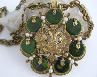 Vintage Deco Marbled Green Bakelite Bird Medallion Pendant Brass Necklace Chain