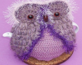 Owl Teapot cozy  Hand crocheted in Mauve & pink yarn
