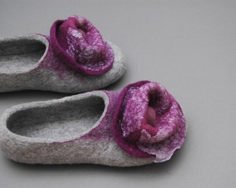 Felted slippers Grey Lilac Flowers and Bubbles Handmade home shoes Natural wool Organic wool Natural fashion Woolen Clogs Felted clogs