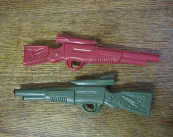 Two Vintage Squeeze Water Gun. Rifles. Toy water gun