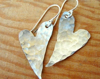 Valentines Gift. Sterling Silver Heart Earrings.Hand Hammered Silver Earrings.Sterling Silver Jewelry.Hammered Jewelry.Rustic Earrings
