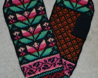 Norwegian Scandinavian hand crafted 100% Wool Mittens, folk art, Fair Isle, Selbuvotter
