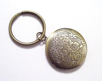 Brass Floral Locket Key Chain, Flower Locket, Round Brass Locket, Antiqued Brass Plated Key Ring