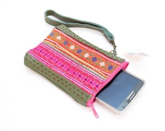 Wristlet Genuine Leather Bag With Vintage Embroidered Fabric Thailand  (BG4216.8)