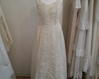 Celine - Vintage Wedding Dress in Ivory Organza with Lace and Diamante Detail
