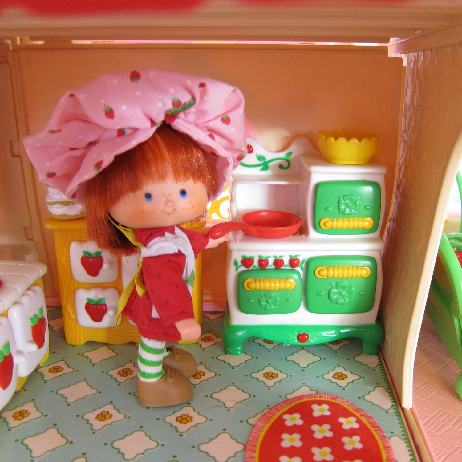 Kitchen Stove Oven For Strawberry Shortcake Dollhouse Vintage
