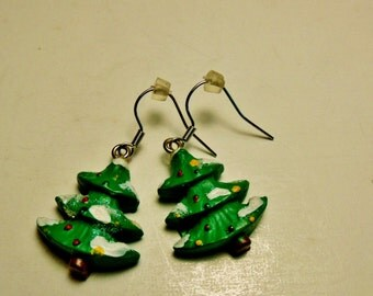Christmas Tree Earrings, Vintage Pine tree earrings, Fir trees, Holiday earrings, Christmas earrings.....
