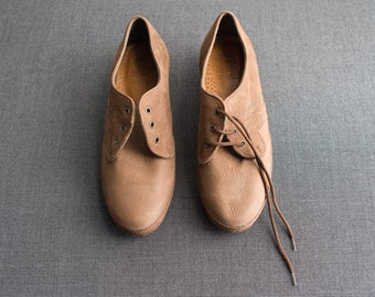 Vintage Deadstock Camel Brown Suede Oxford Shoes Size 6