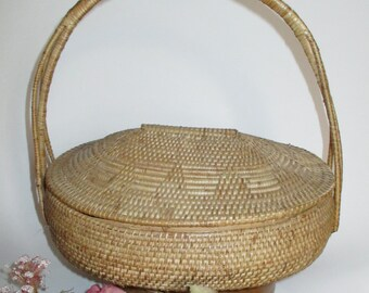 Vintage light brown woven chinese lidded basket with bamboo base and handle chinese wedding basket