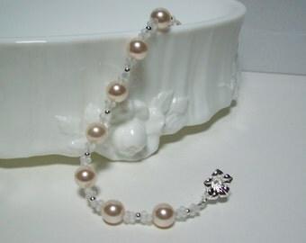 Sweet Bridal Bracelet. Creamrose Swarovski Pearl Bride's Bracelet. Creamrose Wedding.