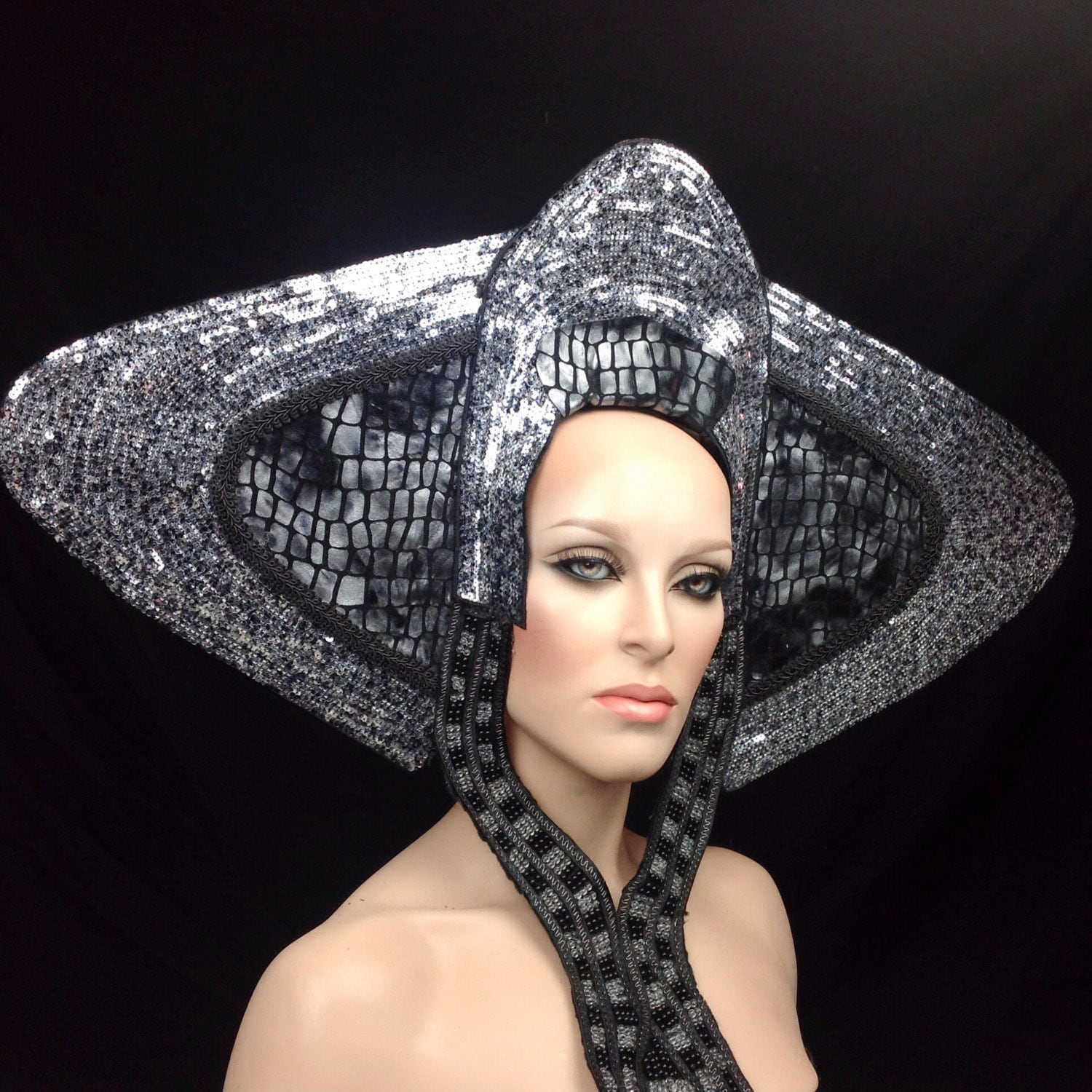 Ready to ship futuristic alien outer space royal princess for Outer space clothing