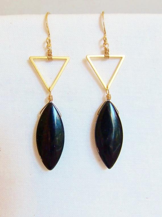 triangle dangle earrings black earrings by jenniferrexjewelry. Black Bedroom Furniture Sets. Home Design Ideas