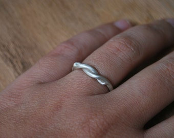 Twist Sterling Silver Ring - Contemporary jewelry - minimal
