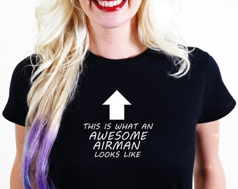 AWESOME AIRMANT SHIRT Official Personalised This is What Looks Like Black White Red Unisex Tee Made Handmade Pilot Air plane Aeroplane