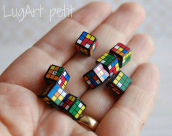 One Rubik's Cube for your dollhouse (8x8cm)