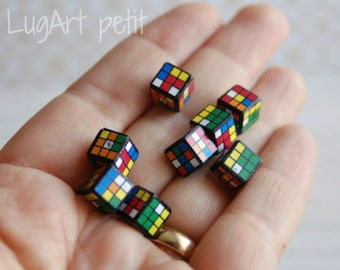 One Rubik's Cube for your dollhouse