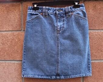 Denim skirt/ womens/ long skirt/ trends/ fashion/ denim fashion