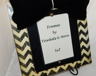 Black and Cream Chevron Distressed Frame