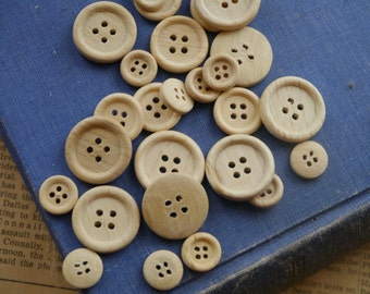 30 pcs Random Assortment Light Natural Wood Buttons 12-22mm (WB2460)