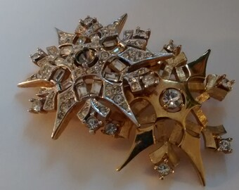 Brooch - Double snowflake star