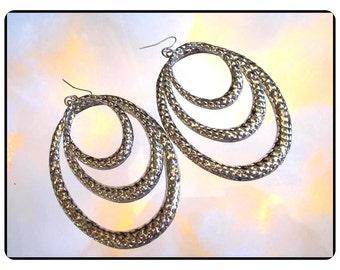 Humungus Vintage Earrings - Long Dangling Silvertone Pierced Oblong Loop Earrings - E3412a-090814008
