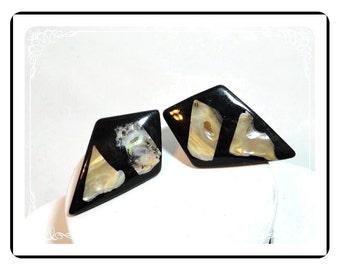 Kite Shaped Earrings - Black Lucite Vintage Abalone Pierced Earrings   E274a-04081200